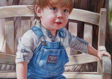 Portret de baietel asezat pe banca de lemn, Cadouri practice, portrete la comanda, Tablouri pictate cu rama sau fara rama
