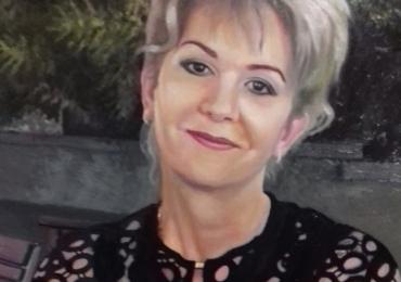 Portret de femeie  la comanda dupa poza ta. Pret portret bust