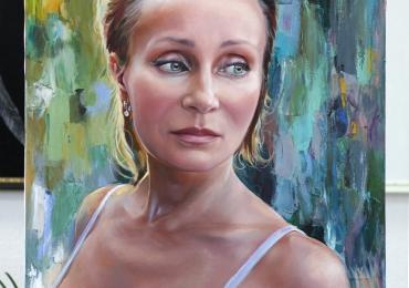 Portret de femeie tanara, portrete cu femei, portrete la comanda, portret dupa poza