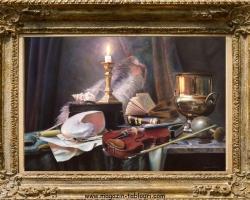 Tablou Pictura cu flori natura moarta, tablou cu vioara si obiecte de decor