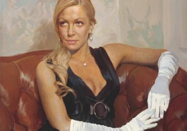 Tablou la comanda pret, portrete la comanda, Tablouri pictate personalizate, portret de femeie asezata pe o canapea chesterfield din piele