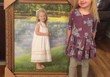 Tablouri la comanda sibiu, portrete la comanda, Tablouri pictate personalizate, portret de fetita langa iazul cu pesti
